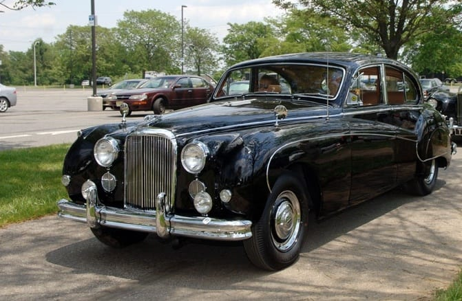 Classic Black Jaguar Wedding car hire Brisbane