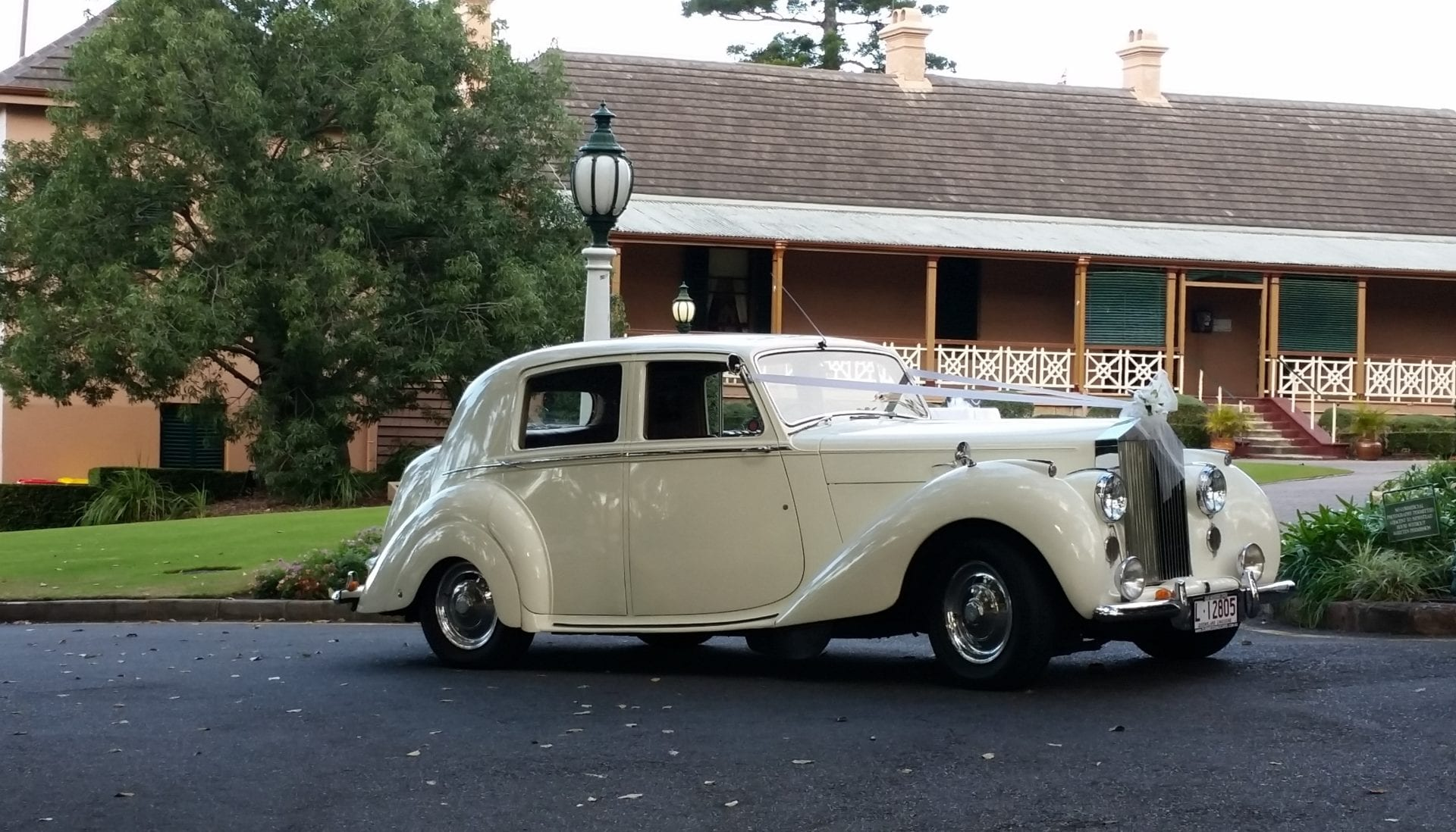 emily 1948 rolls royce silver dawn classic wedding car. Black Bedroom Furniture Sets. Home Design Ideas