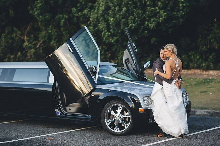 Chrysler 12 Seat 300C bride and groom