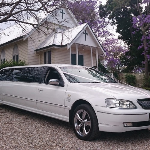 9 seat Fairlaine stretch wedding limousine