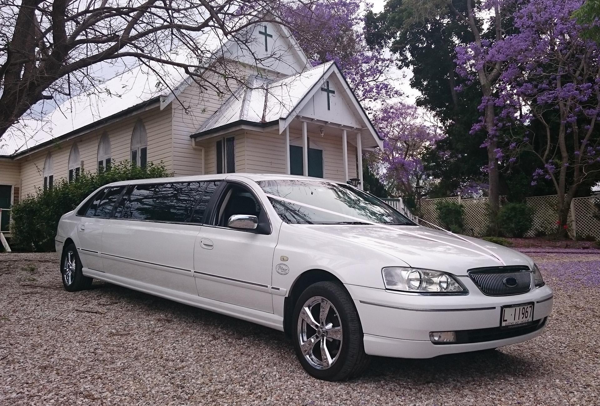 9 seat Fairlaine stretch wedding limousine