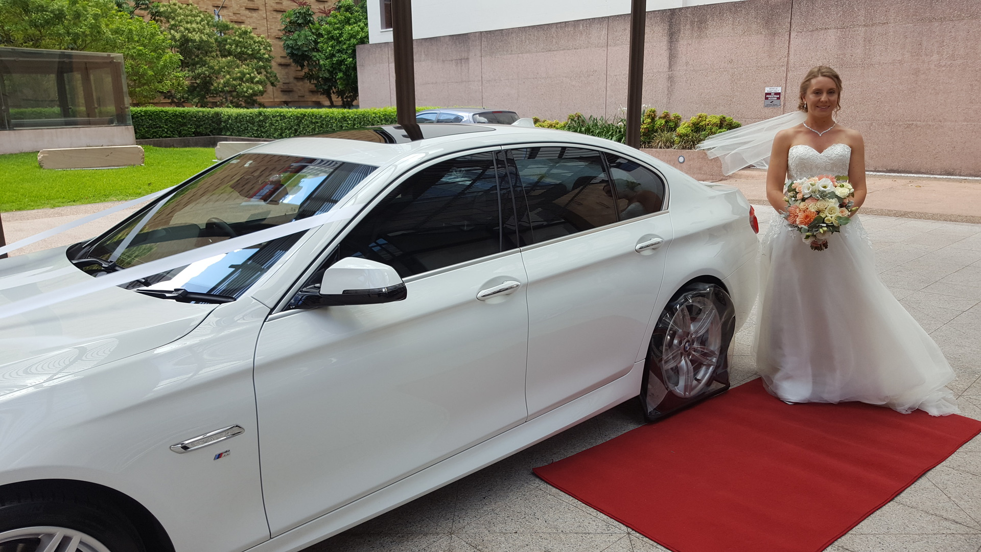 WHite Luxury BMW Wedding Car
