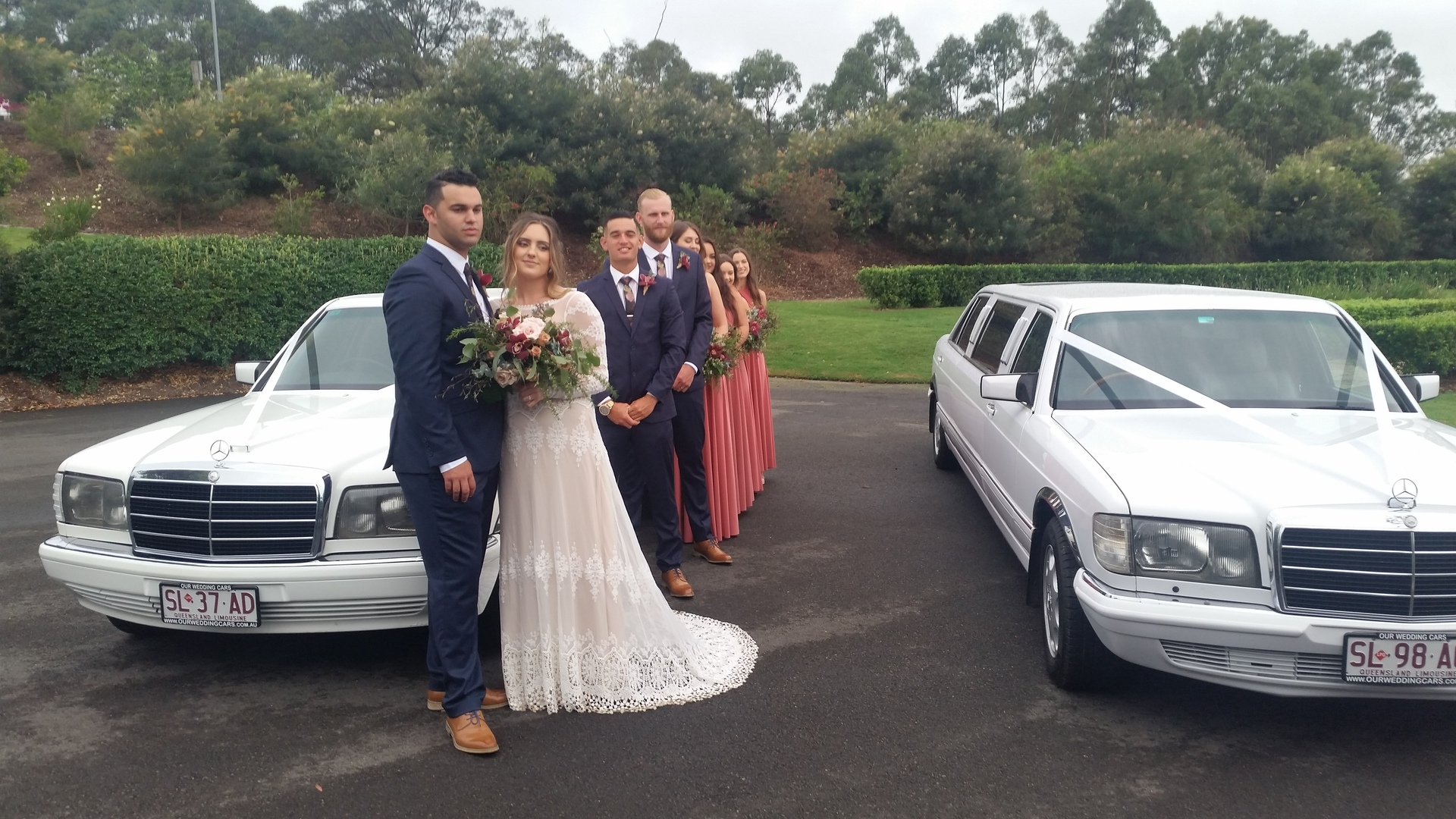 Wedding with Classic Mercedes Benz Stretch